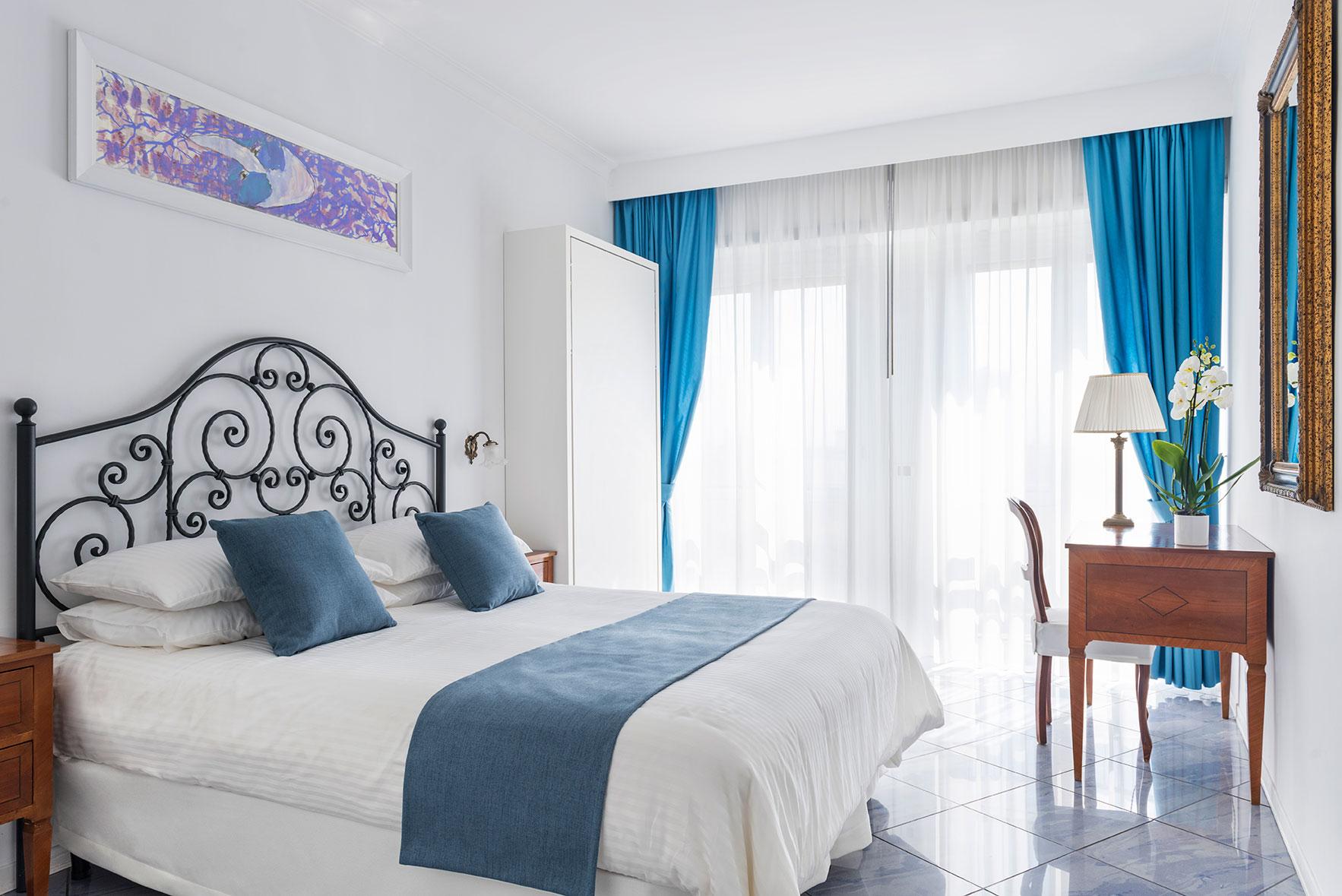 camere-classic-fiorentini-residence-napoli-1