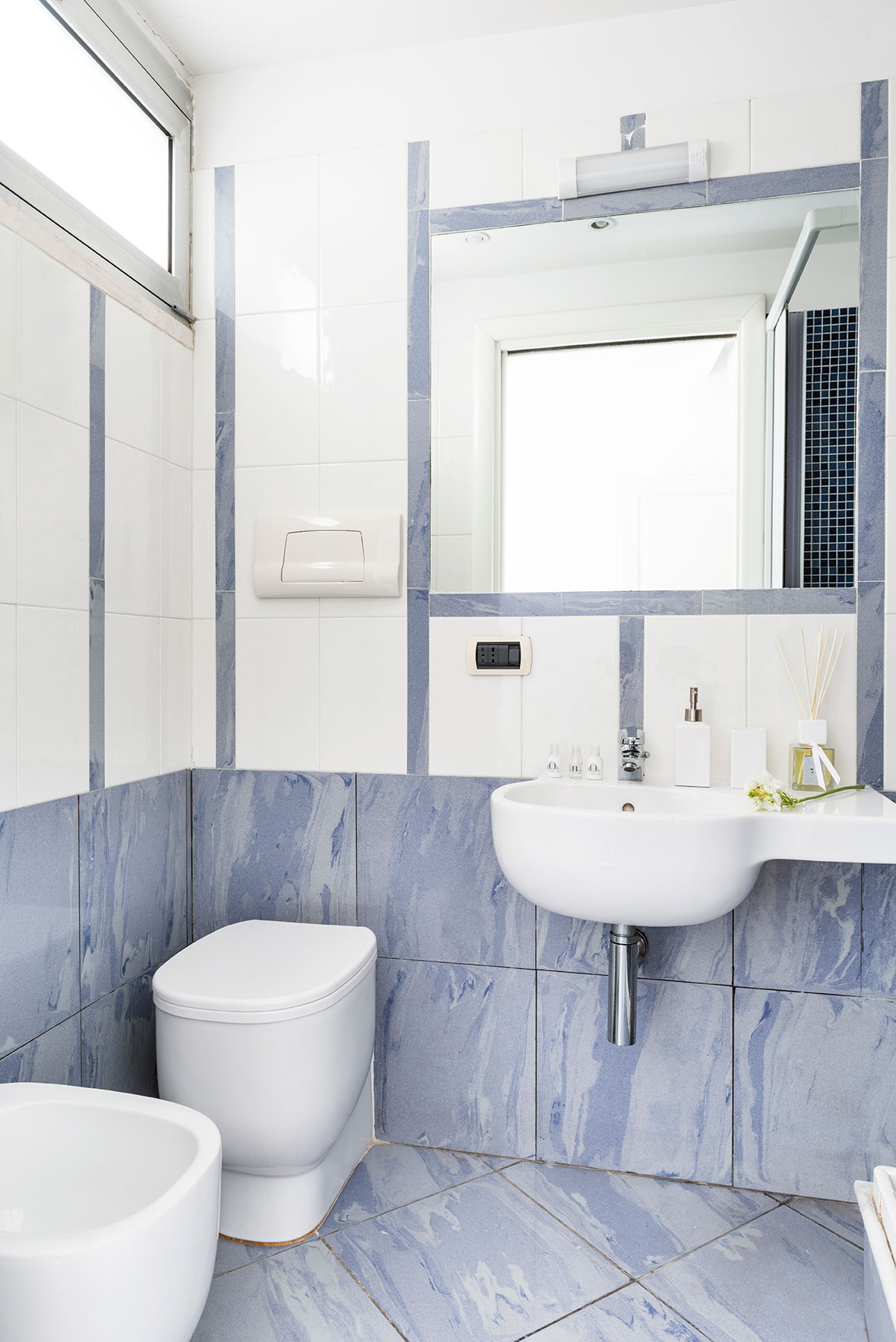 camere-standard-fiorentini-residence-napoli-1