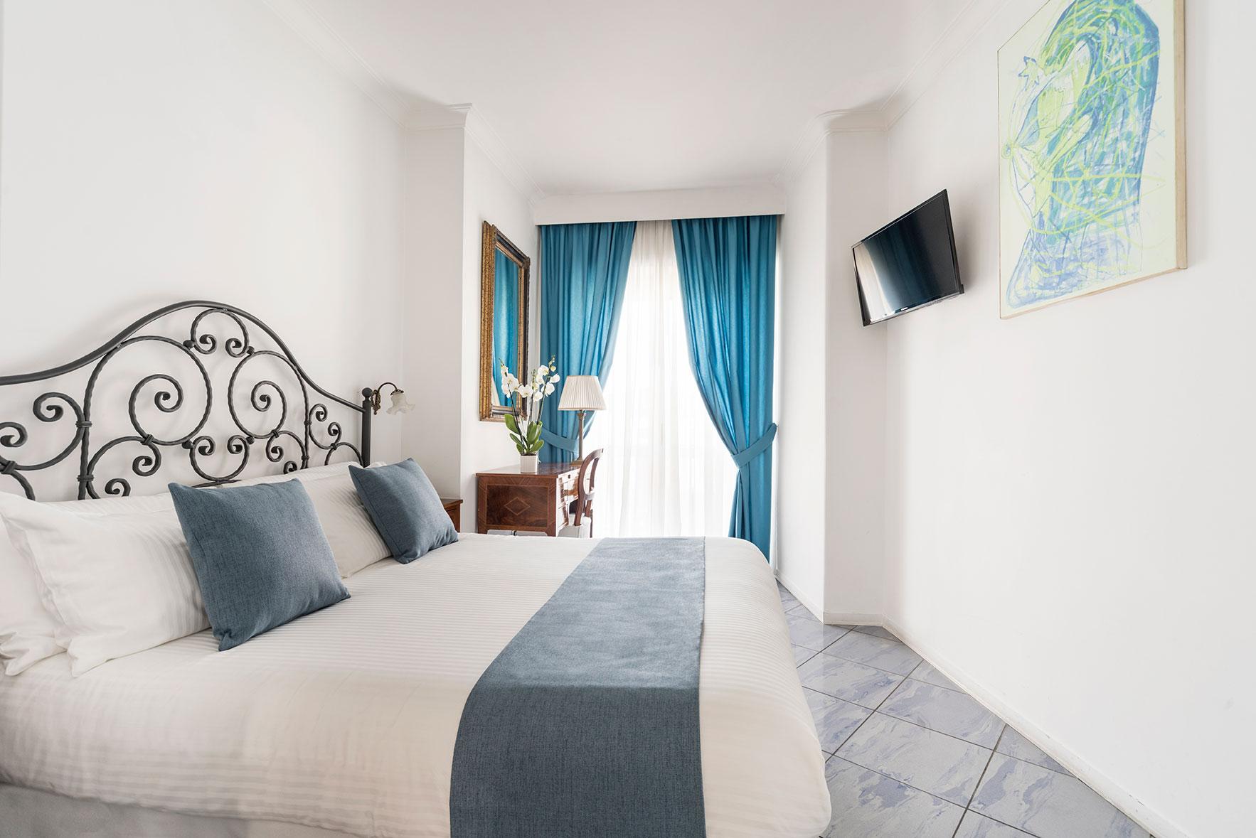 camere-standard-fiorentini-residence-napoli-10