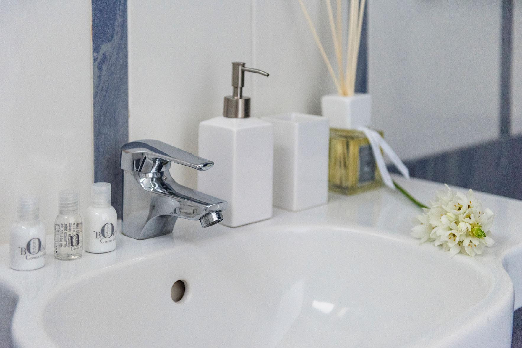 camere-standard-fiorentini-residence-napoli-2