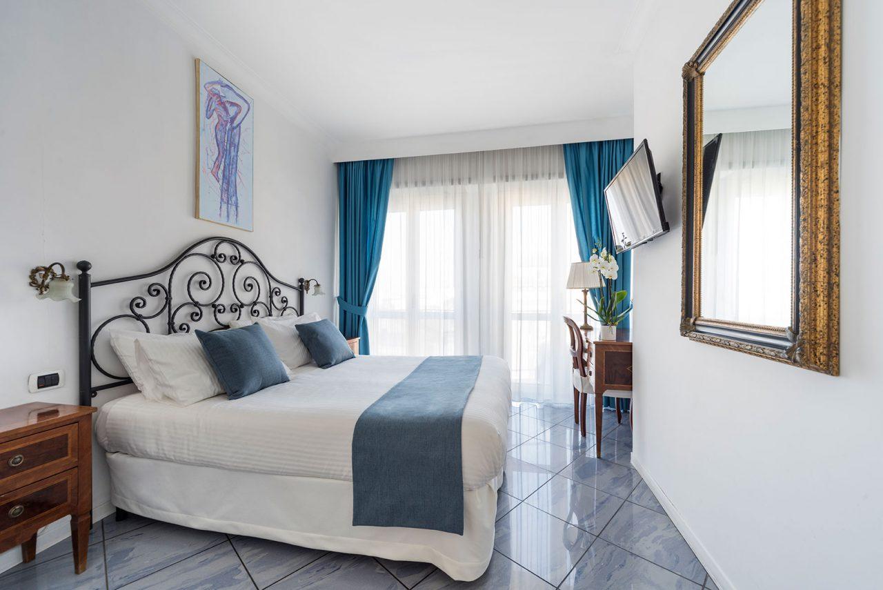 camere-standard-fiorentini-residence-napoli-3
