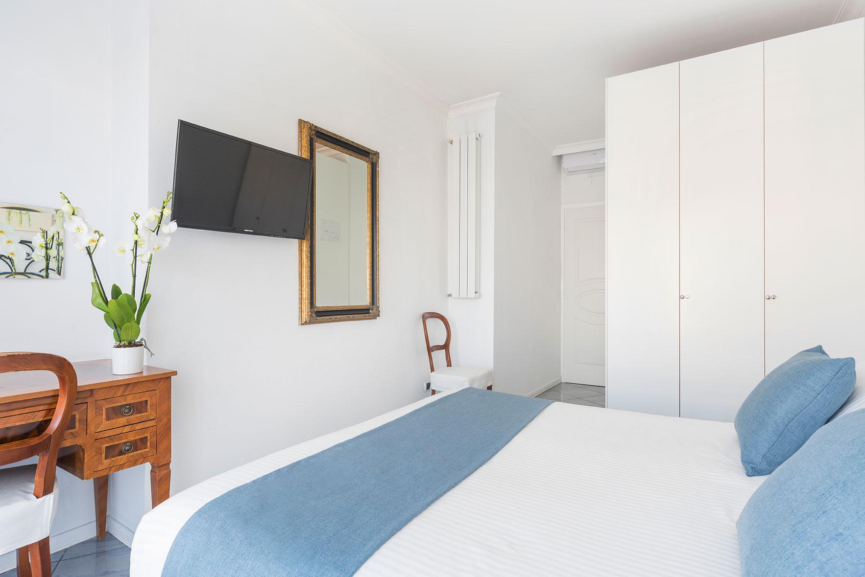 camere-standard-fiorentini-residence-napoli-4