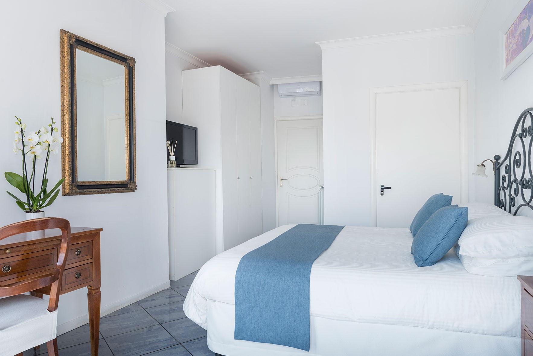 camere-superior-fiorentini-residence-napoli-1