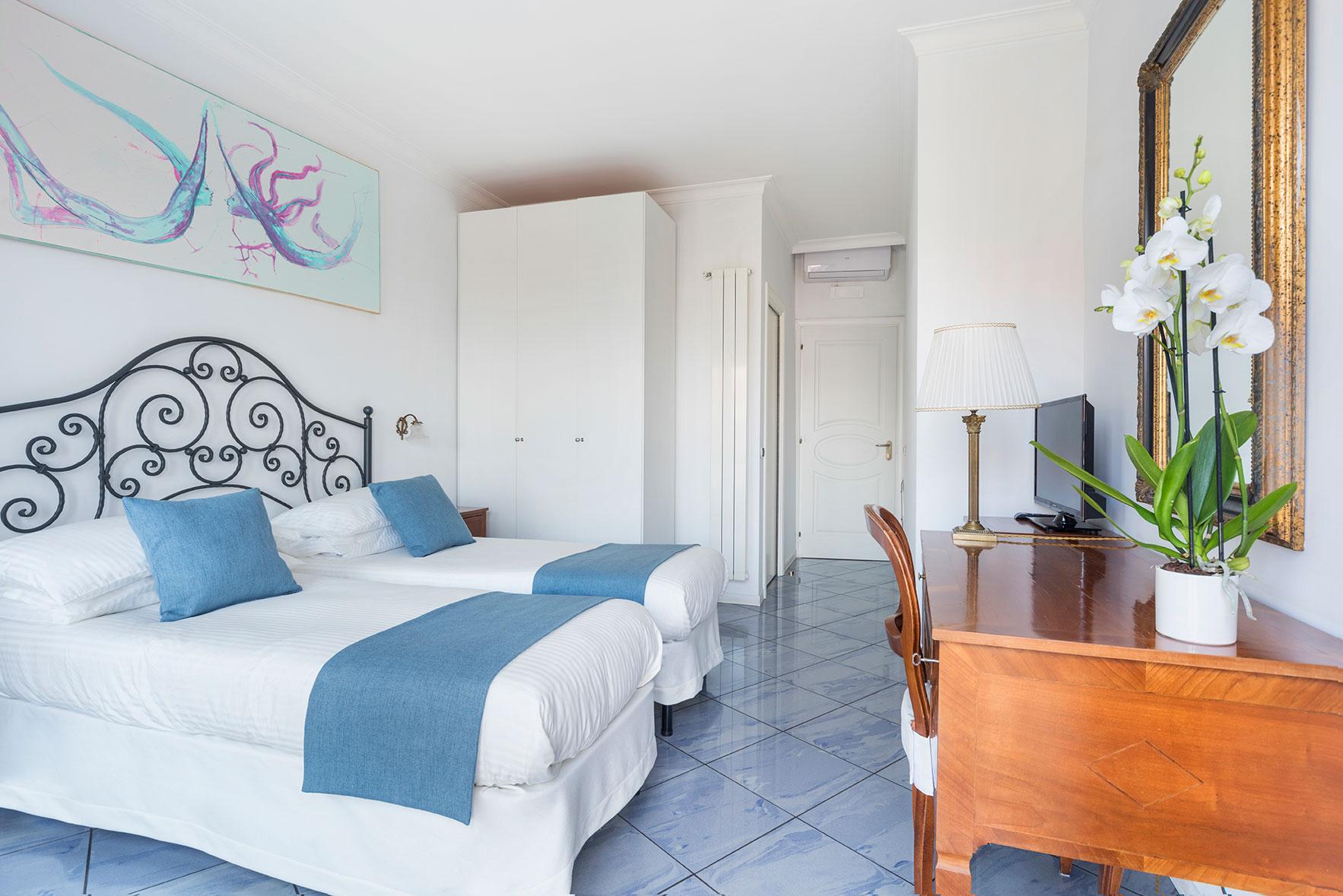 camere-superior-fiorentini-residence-napoli-9